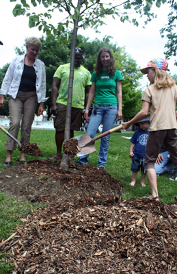 Planting trees with Councillor Paula Fletcher, Janet Mckay of LEAF and friends of Leslieville
